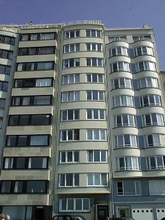 <span>Te huur gemeubeld</span><a class='showAction btn-primary btn' href='/nl/vastgoed/5/jvfontenoy8/appartement-te-huur-gemeubeld-oostende-kust-1-slaapkamers'>Ontdek deze aanbieding &raquo;</a>
